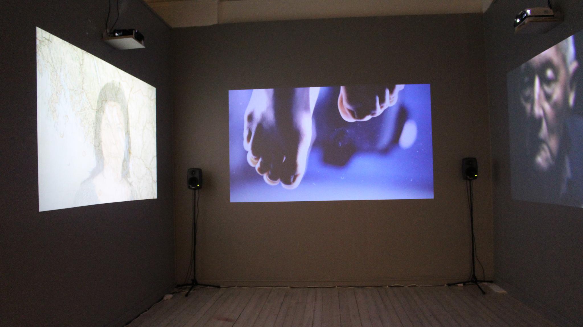 Projector Wall